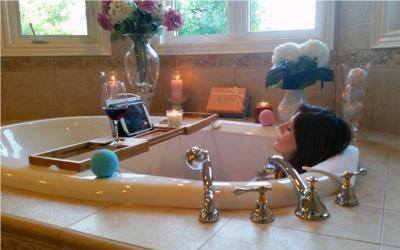 Bath Tray & BathBombs